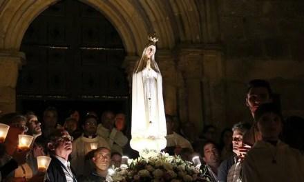 Maria, nossa mãe