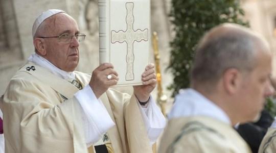Franciszek do kapłanów: świat woła o świadectwo