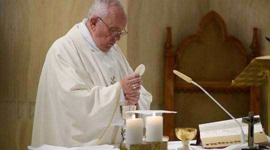 Papież na piątkowej Mszy: pokora otwiera zatwardziałe serca