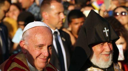 Wzruszająca wizyta papieża Franciszka w miejscu pamięci ofiar rzezi Ormian sprzed stu lat