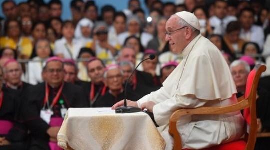 Spotkanie Ojca Świętego z duchowieństwem w Trujillo w Peru (Vatican Service News - 21.01.2018)