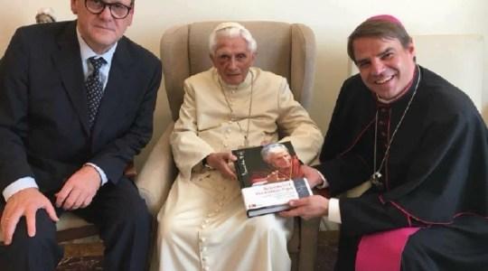 Piąta rocznica abdykacji papieża Benedykta XVI ( Vatican Service News - 11.02.2018)