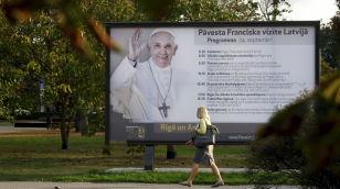 Papież rozpoczął pielgrzymkę na Litwie (Vatican Service News - 22.09.2018)