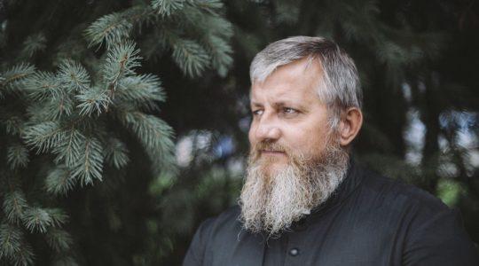 Jan Paweł II uczył, że przed Bogiem trzeba klękać. Wywiad z ks. Jarosławem Cieleckim (Vatican Service News - 11.11.2018)