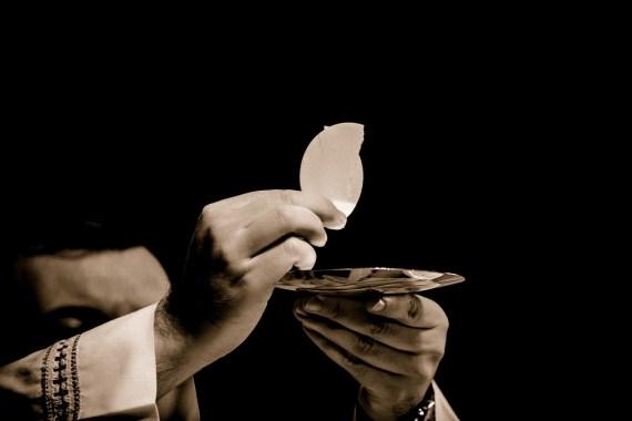 misa no sirve, belleza es inútil, eucaristía