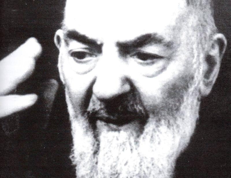 """Padre Pio """"buon samaritano"""""""