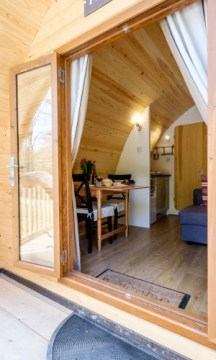 Padstow-creek-holiday-accommodation-cornwall-luxury-glamping-pods-padstow-tall-5
