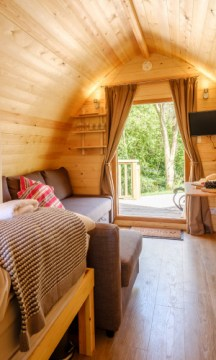 Padstow-creek-holiday-accommodation-cornwall-luxury-glamping-pods-padstow-tall-8