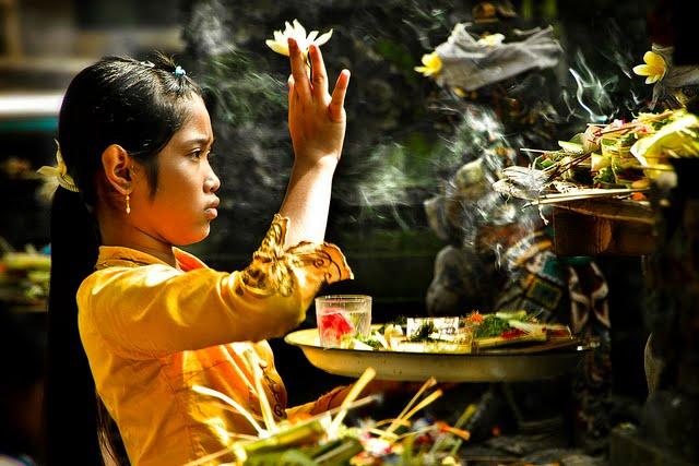 Banten Hari Raya Sabuh Mas  Paduarsana