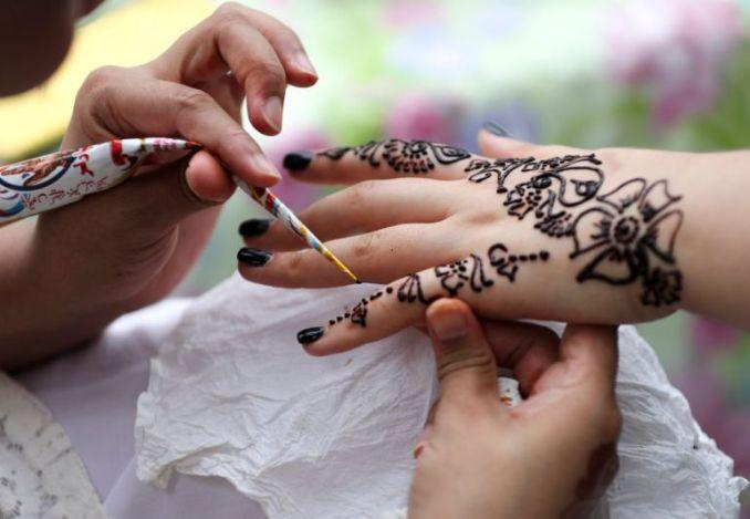 9 Cara Membuat Henna Sendiri Yang Mudah Dan Murah