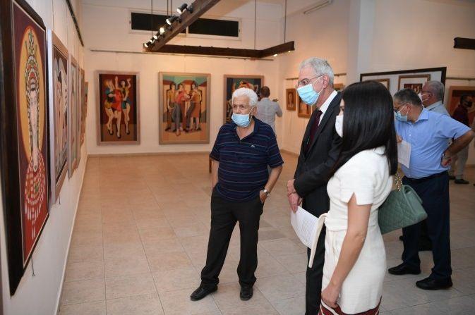 O Υπουργός Παιδείας τέλεσε τα εγκαίνια της αναδρομικής έκθεσης ζωγραφικής και ψηφιδωτού του Γιώργου Κοτσώνη