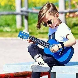 Stylish Girl With Guitar Hd Wallpaper 50 Fb Profile Pic For Boys Girls Pics For Instagram Dp