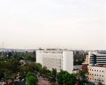 Torre de Especialidades, na Cidade do México, com fachada revestida de dióxido de titânio, que absorve a poluição. O projeto é do escritório de arquitetura Elegant Embelishments, que fica em Berlim, na Alemanha