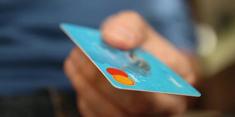 Como as transações são processadas no mercado de pagamento