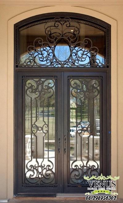 Pintu Besi Klasik Mewah