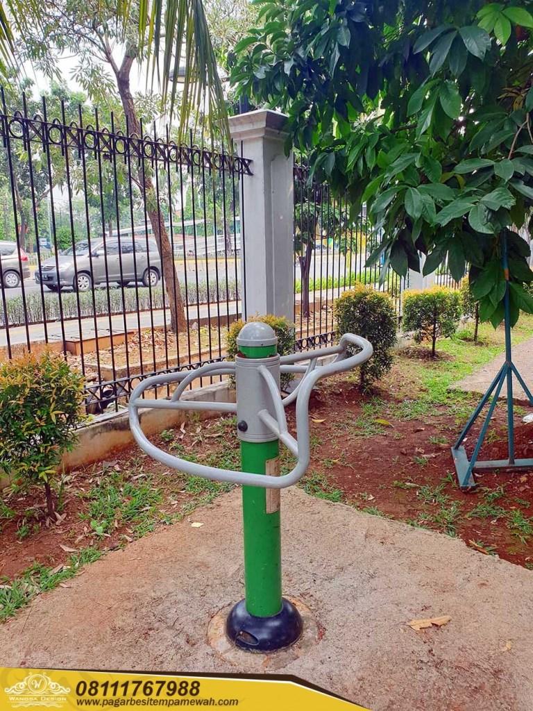 Pressing Leg Rack Outdoor