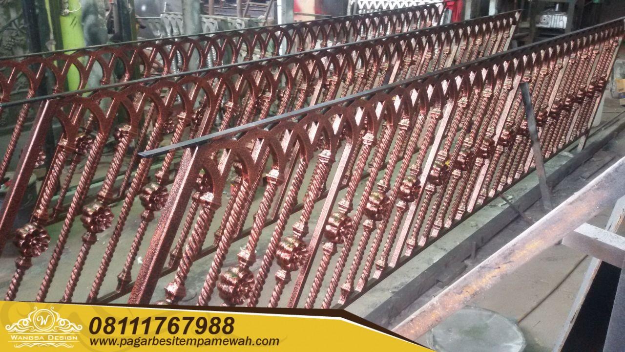 Railing Tangga Layang Besi Tempa (2)