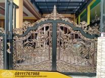 Pagar Besi Tempa Klasik Mewah (4)