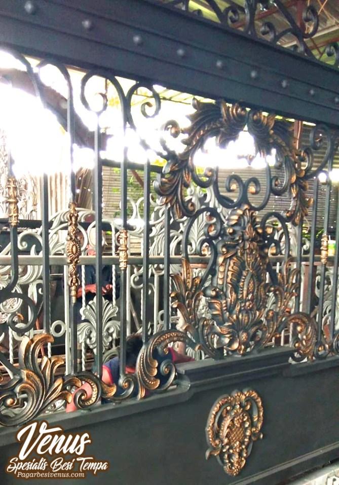 Pintu Pagar Besi Tempa Klasik