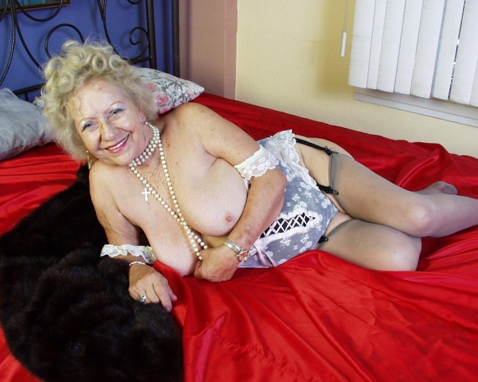 Grannys nude Meet The