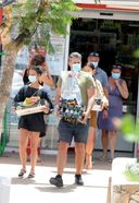 alicia vikander spotted having lunch with friends in ibiza 23. o 128w 186h