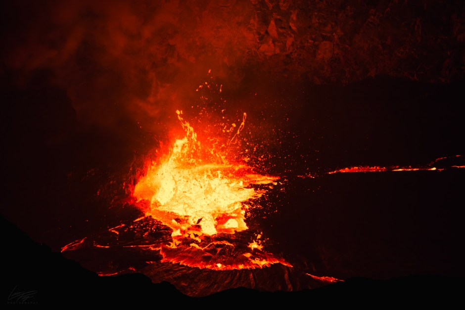 Volcanic Tides - Lava spatter in Halemaumau's lava lake.