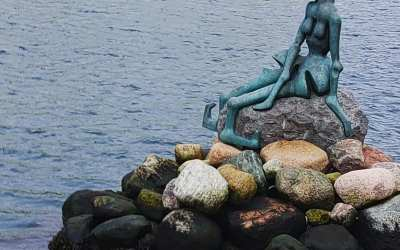The Little Mermaid statue and her way cooler sister