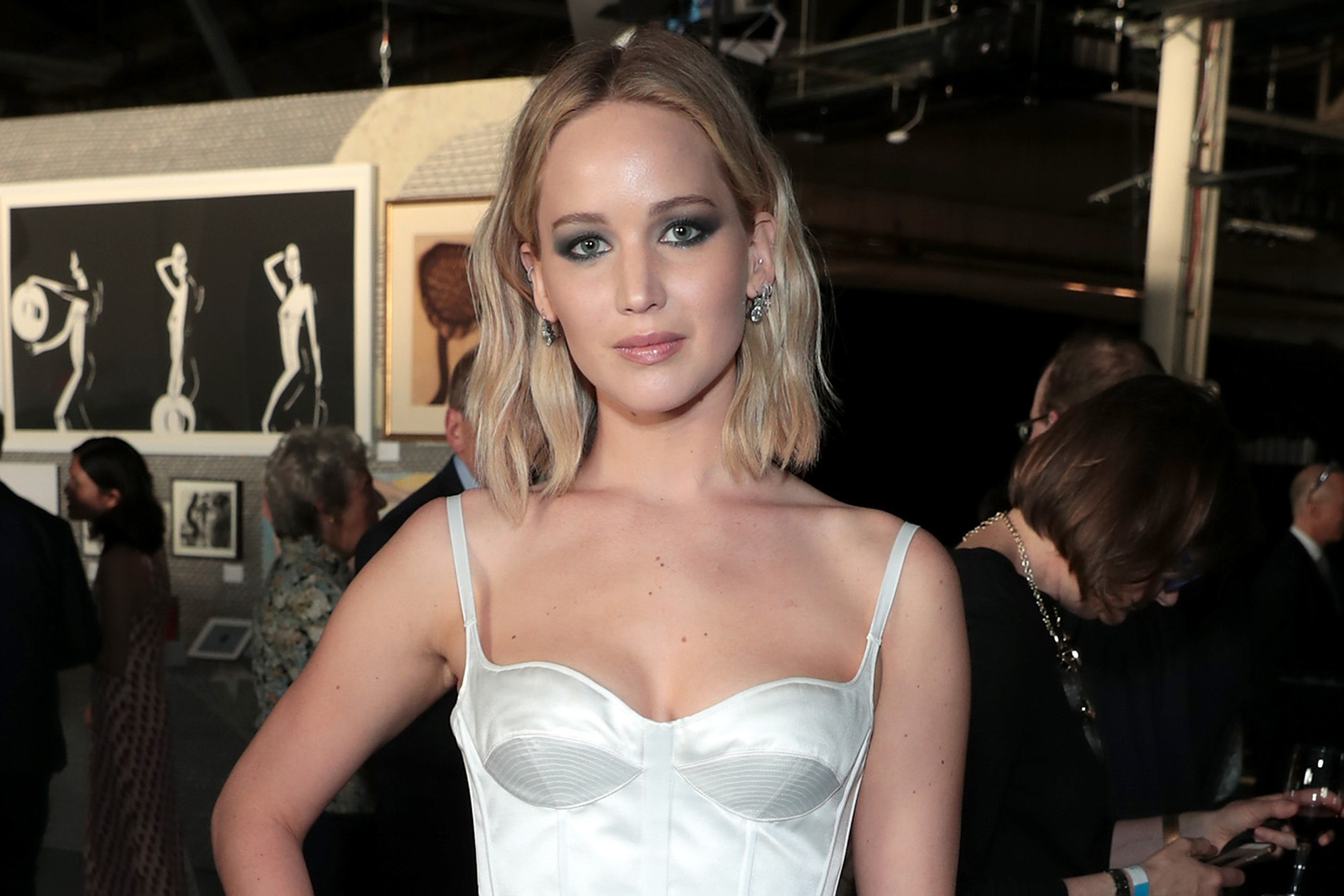 Jennifer Lawrence S Wedding Dress Reportedly Had Its Own Hotel Room,Outdoor Wedding Summer Wedding Guest Dresses 2018
