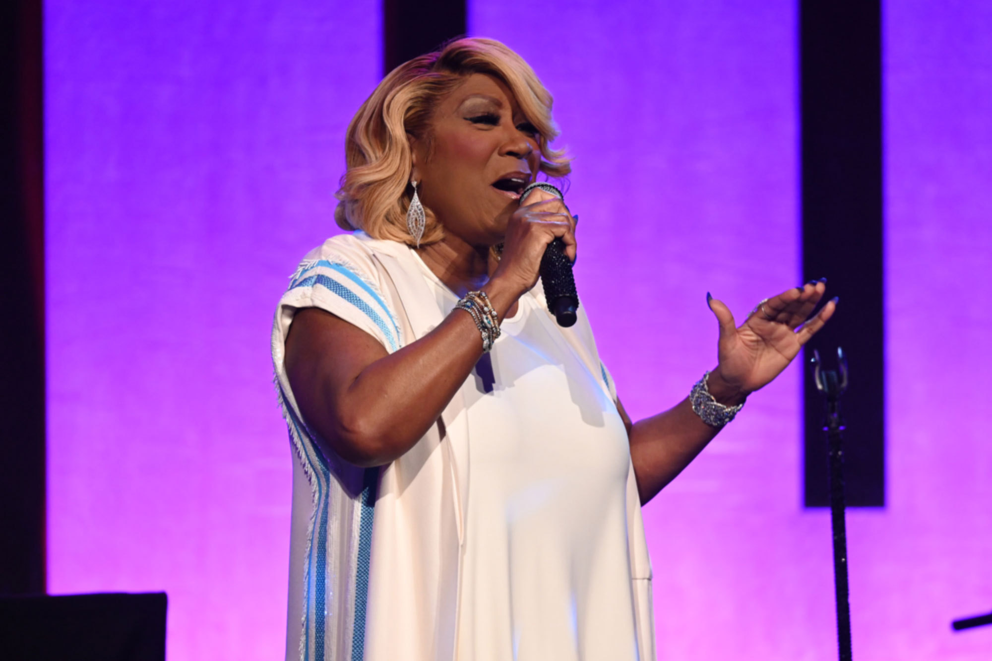 """The legendary Patti LaBelle performed """"Somewhere over the Rainbow"""" – 2020"""