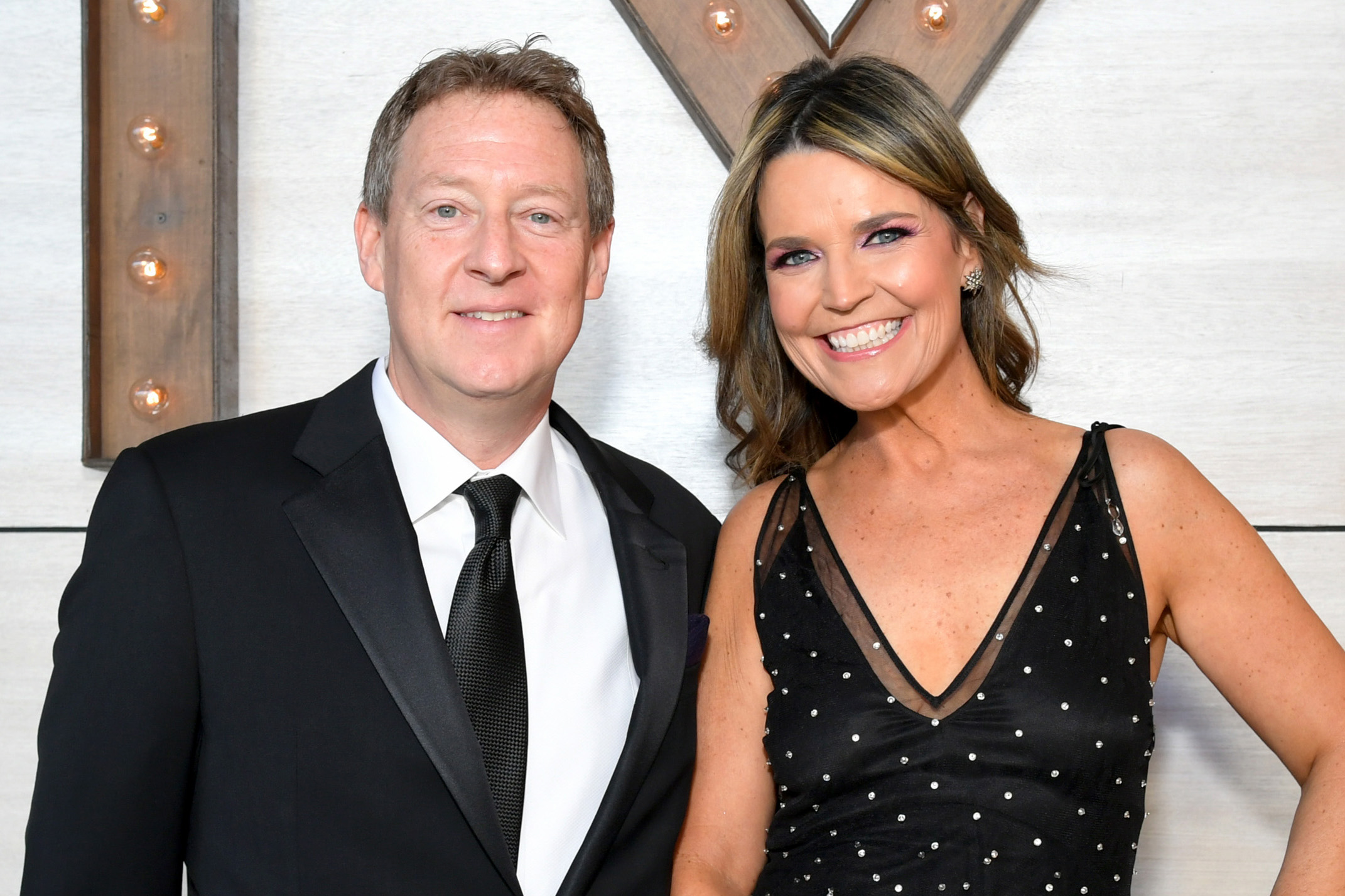 Why Savannah Guthrie Didn T Wear Her Wedding Ring On Today