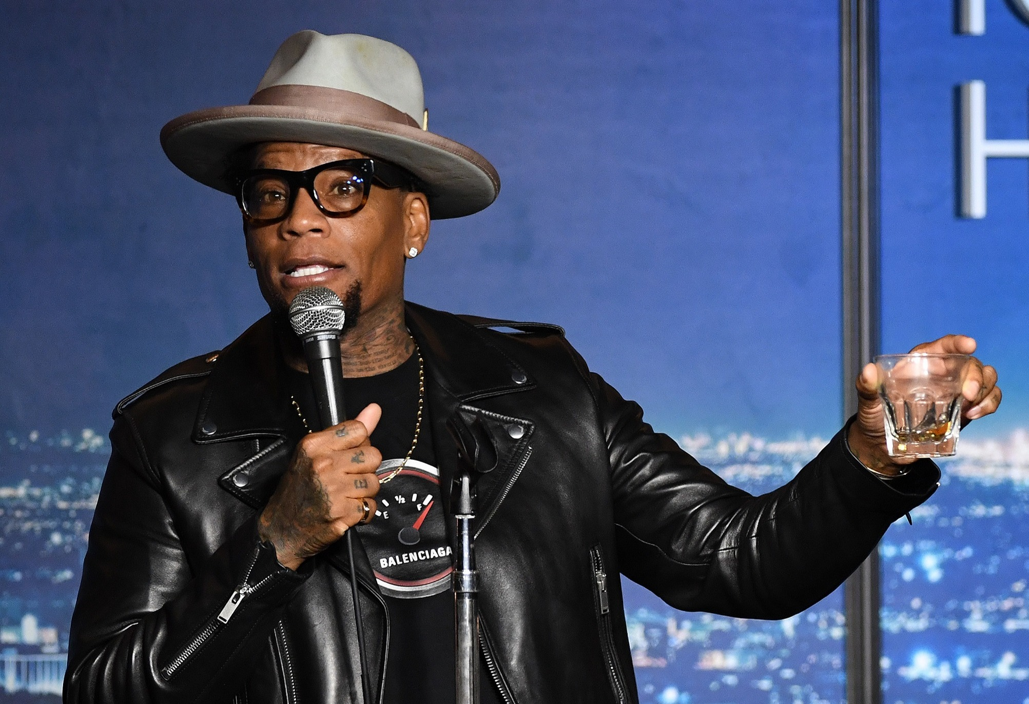 D.L. Hughley collapses onstage in Nashville @