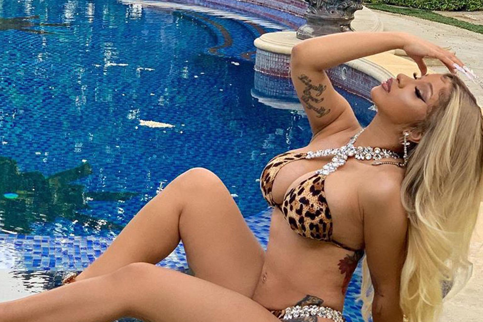 XXX Sex Photos Hot chubby guy