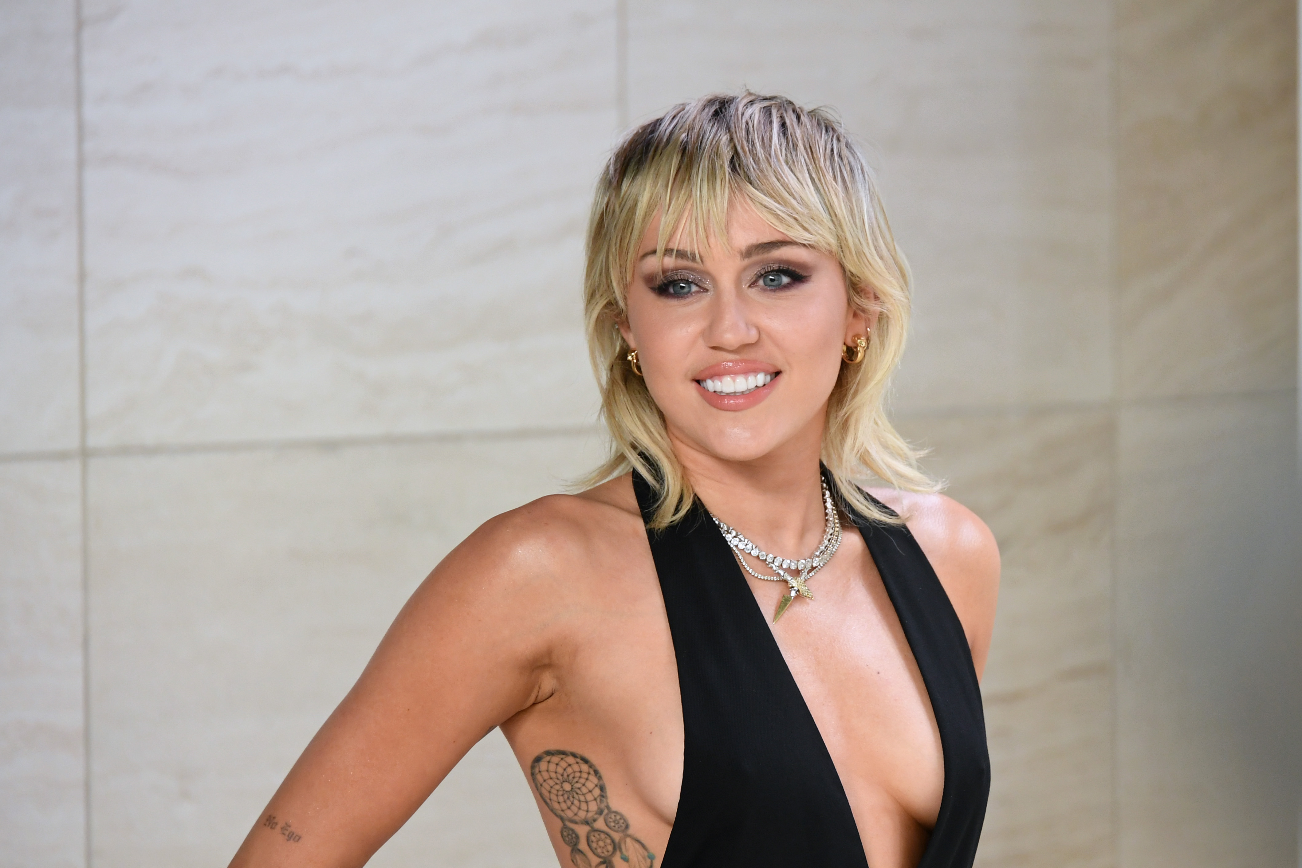 Miley Cyrus says hair became a 'monitor' for her sanity, sobriety