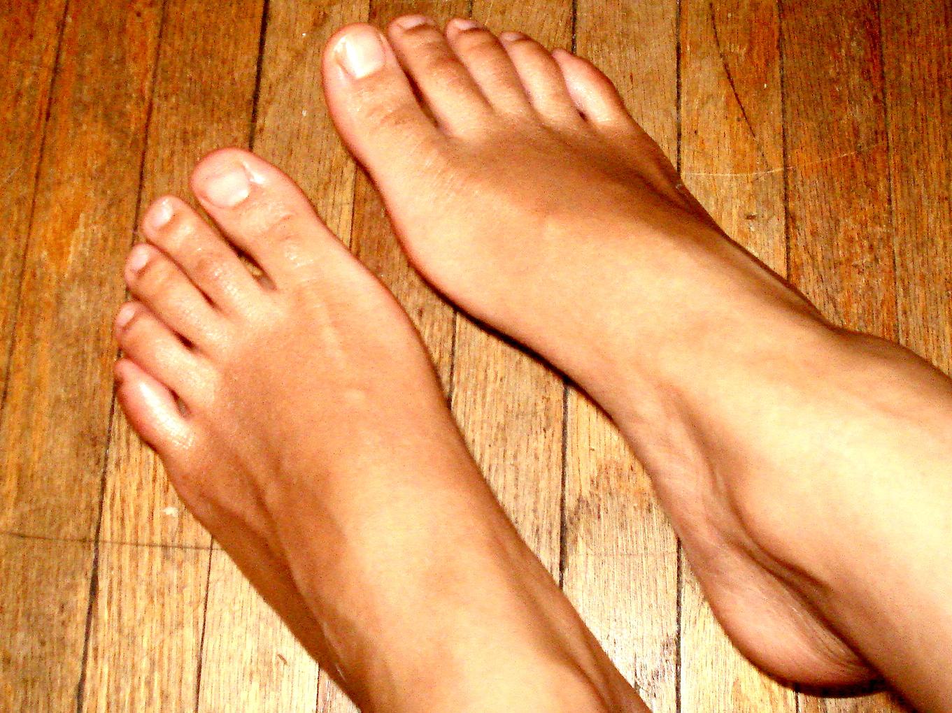 feet womens brown tanned