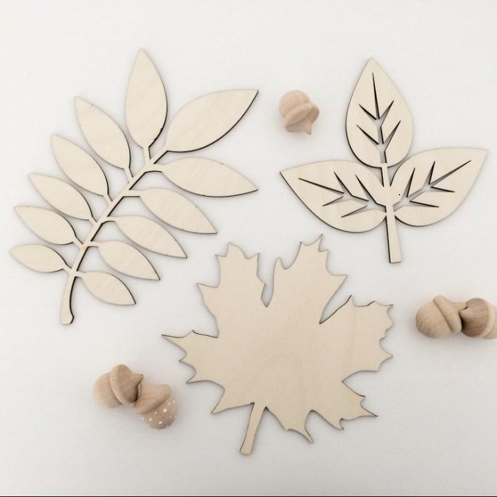 Wooden Leaf Plaque