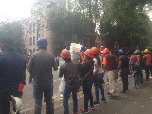 earthquakes in mexico city volunteers condesa