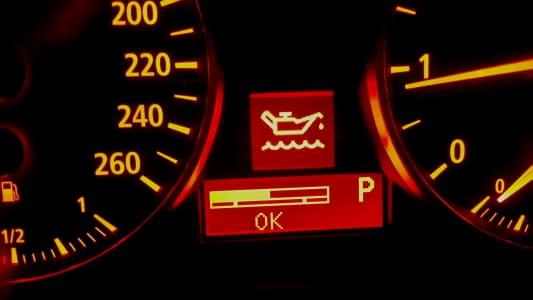 4 Tanda Oli Mobil Harus Segera Diganti