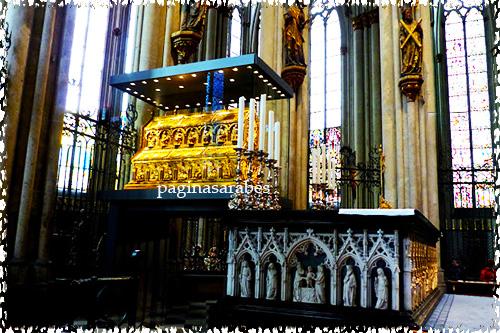 La Catedral Donde Descansan Los Restos De Los Tres Reyes Magos