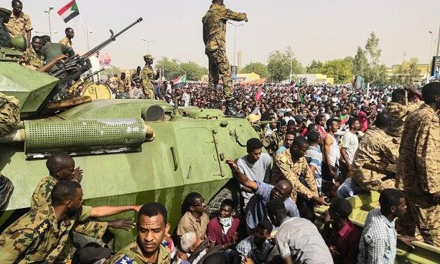 SUDAN.  Manifestazioni pro-esercito e ora si rischia il golpe