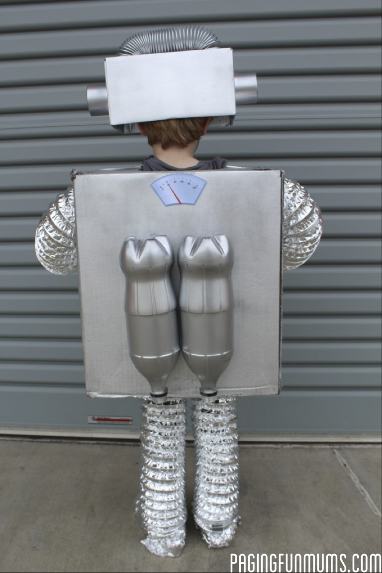 How to make the coolest robot costume ever diy robot costume diy robot costume solutioingenieria Gallery