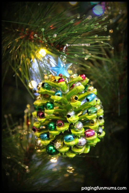 Pinecone-Christmas-Craft