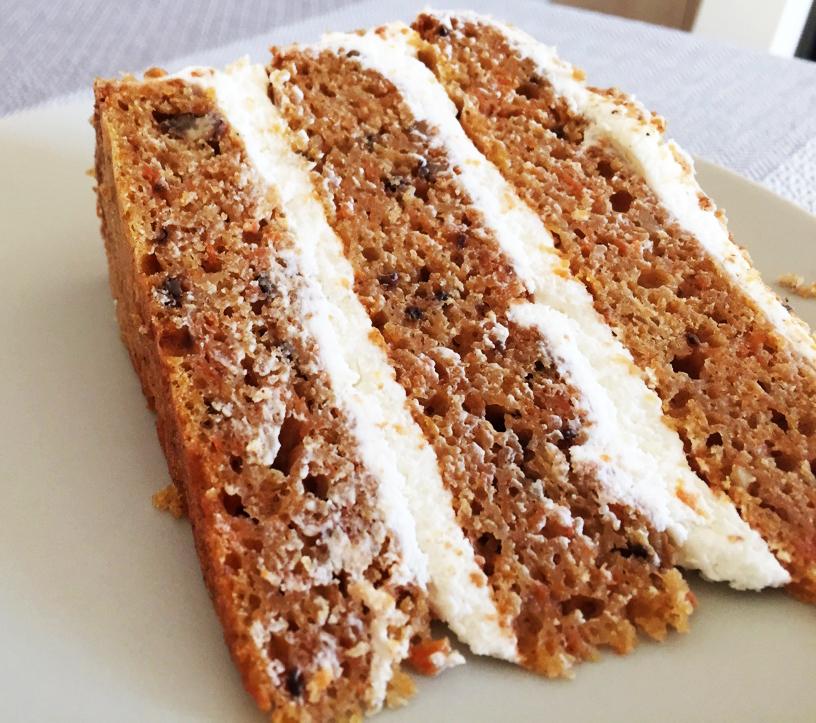 Felie de tort de morcovi