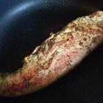 Mușchiuleț de porc la gătit în tigaie