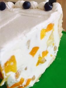 Felie de tort diplomat savuros și gustos
