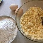 Ingrediente pentru aluat de papanași prăjiți cu smântână și dulceață