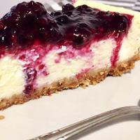 Cheesecake la cuptor cu fructe de pădure