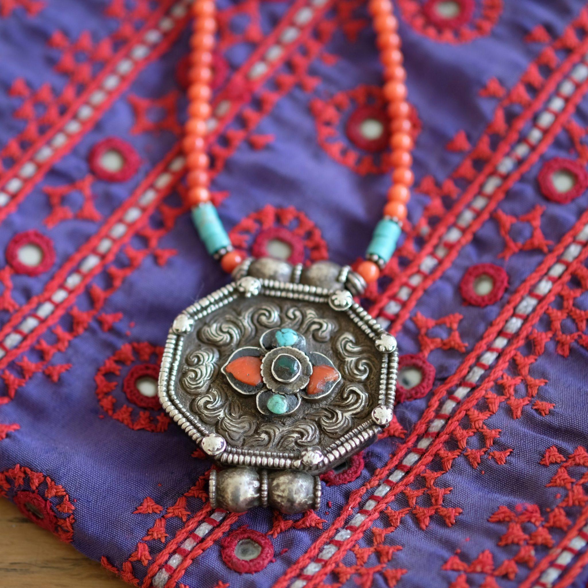 Tibet gau coral