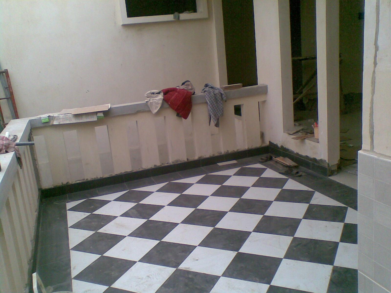 Bangun Rumah 16 Lantai dan dinding keramik dan granit