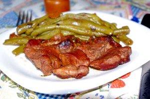 Carne cu fasole verde & Castel Bolovanu, Vinarte