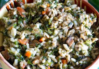 Pilaf de urzici cu ciuperci şi morcovi
